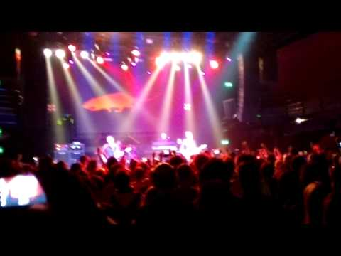 THE STRANGLERS - Nice 'N' Sleazy (Live In Thessaloniki)