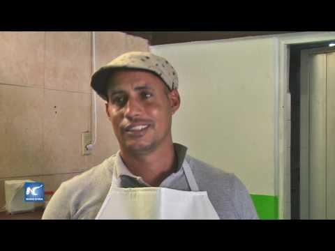 Abren restaurante cubanos varados en Nuevo Laredo