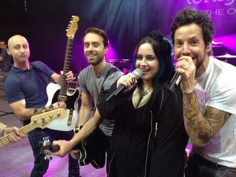 Jet Lag (ft Eve Michele) - Simple Plan [Live in Perth, Australia]