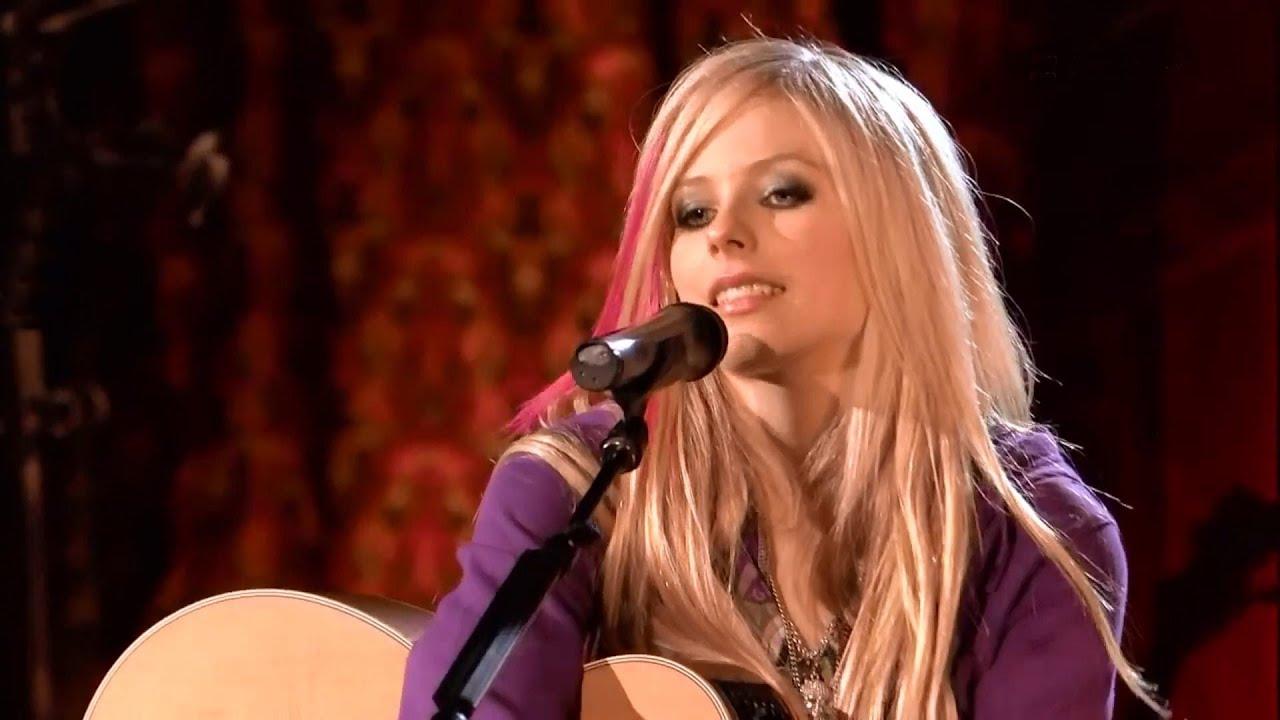 Avril Lavigne Naked Acoustic (Rare video) - YouTube