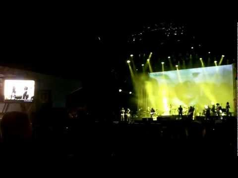Bryan Ferry All Along The Watchtower(cover Bob Dylan) Lokerse Feesten 2012.