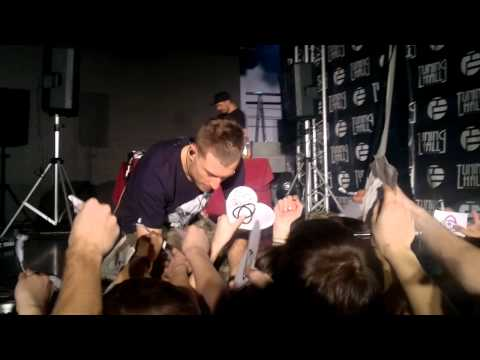 Dub FX Moscow (Tuning Hall) 26/11/2011 автографы!!!