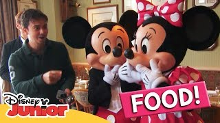 LUNCH | A Day in the Life of Mickey ft. Moshaya Family | Disney Junior Arabia