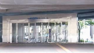 とりぎん文化会館 (鳥取県民文化会館) 正面入り口付近