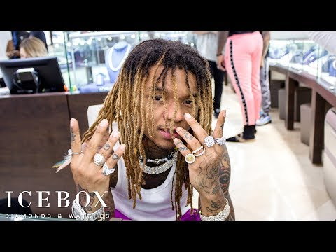 Swae Lee Sells Jewelry to Customers At Icebox!