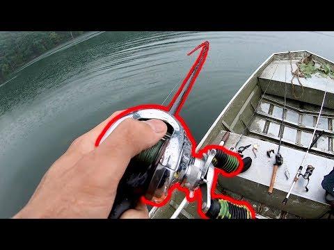 BIG FISH CAUGHT DURING A STORM!!! (Summer Jon Boat Fishing)