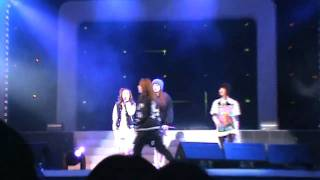 091218 2NE1 - In The Club @ Free Christmas Festival