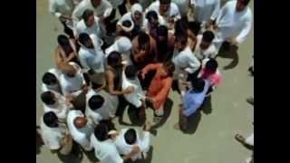 Шахрукх Кхан в фильме Парикмахер Биллу / Billu Barber (2009)