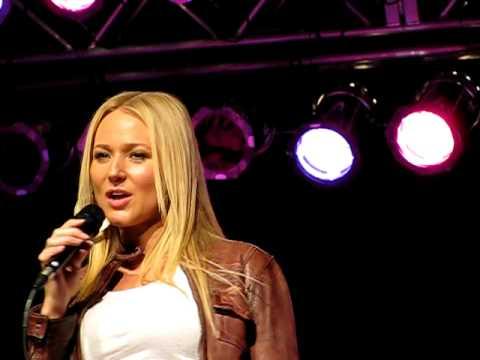 Jewel - Chime Bells 'The Yodel Song' live in Tulsa OK, Osage Million Dollar Elm Casino