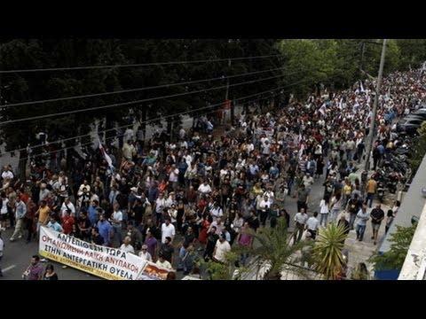 Thousands Strike Greek Gov't Pulling the Plug on State TV