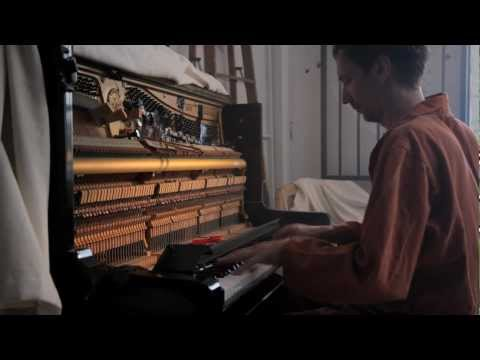 Hauschka - Who Will Hold Me (at Room 205)