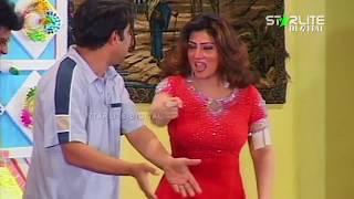 Naseem Vicky and Hina Shaheen New Pakistani Stage Drama Full Comedy Funny Clip