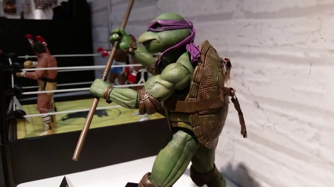 Neca 1990 TMNT Donatello 1/4 Scale Figure.