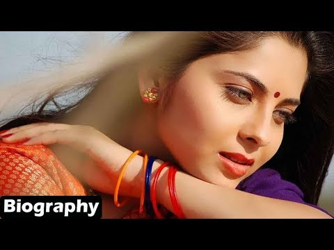Sonalee Kulkarni - Biography