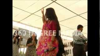 Vidya Balan Dancing - gyrating to movie song - Ibne Batuta - Ishquiya