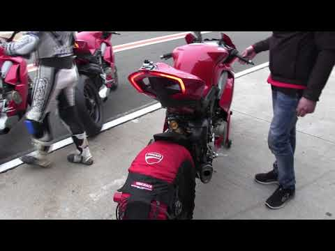 Ducati Panigale V4 S 2018 - Akrapovic - Sound
