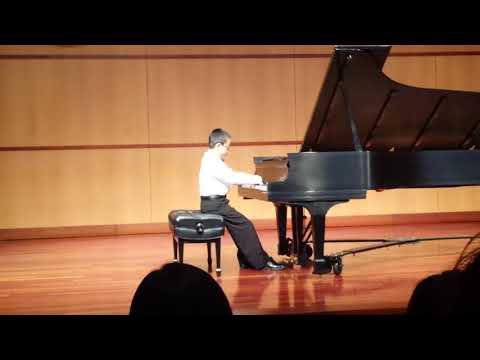 Charles Wang plays C. P. E. Bach's Solfeggietto