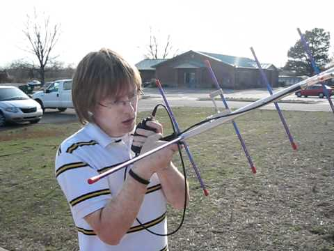 Geoff (KF5HTK) attempting satellite contacts at Hamming in the Park 3-12-2011 Vilonia, AR (2)