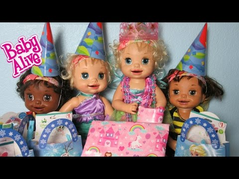 BABY ALIVE Learns to Doll Lacey's Surprise Frozen Birthday Party!  Presents and Cupcakes