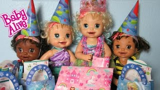 BABY ALIVE Learns to Potty Doll Lacey's Surprise Frozen Birthday Party!  Presents and Cupcakes