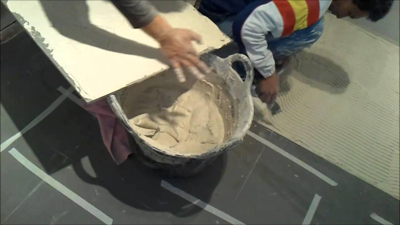 Colocación de suelo de baldosas de grés porcelánico (9º de 10 vídeos ...