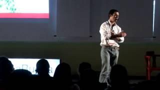 La vida, como la llames, te contesta: Alberto Yapur at TEDxYerbaBuena