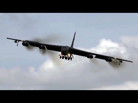 "Impressive B-52 Bomber Crabbing Into Land. "" Crosswinds """
