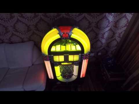 Repeat The Original Wurlitzer OMT CD 1015 Jukebox by