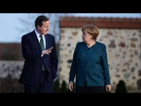 LIVE: Merkel welcomes Cameron with military honours in Berlin