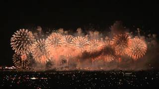 2013 長岡花火 フェニックス9(東山ファミリーランドから撮影)