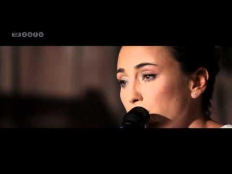 Medina ('Ensom' + 'For Altid') - unplugged