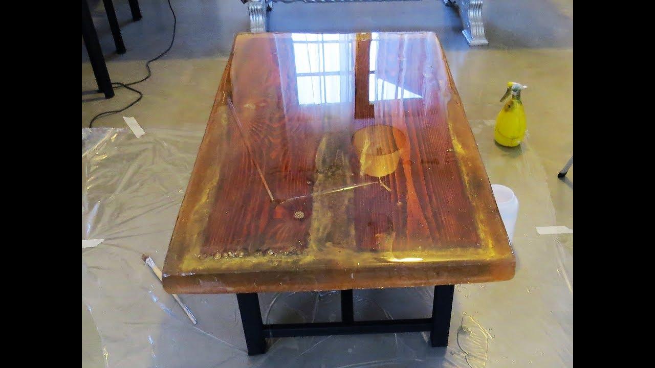 Tavolo Legno E Resina Prezzo come creare tavolo in legno con resina epossidica per pavimenti