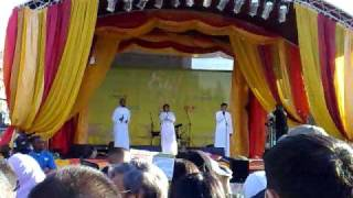 Eid in the Square 2008 - Labbayk - Tala al Badru Alayna 02