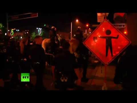 RAW: Protesters go wild at Anti-Trump rally in Albuquerque, New Mexico