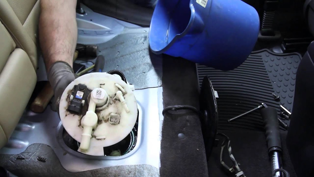 how to install fuel pump assembly e9073m in a 2011 2014 hyundai elantra [ 1280 x 720 Pixel ]