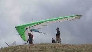 ハンググライダー発進基地 離陸風景