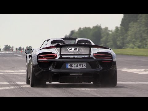 porsche 918 spyder 1 4 mile dragrace in 9 94 seconds youtube. Black Bedroom Furniture Sets. Home Design Ideas