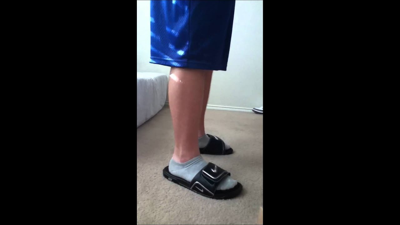 c989e7d5a8ed50 Nike Comfort Slide 2 on feet - YouTube