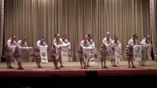 Ukrainian dancing 204