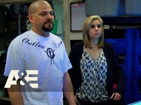 Storage Wars: Jarrod's Screen-Prints a T-Shirt (Season 7, Episode 7) | A&E
