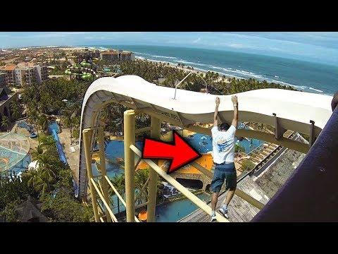 10 Самых смешных падениях на водных горках в аквапарках