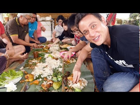 The Ultimate Indonesian Food Day Trip - HUGE Nasi Liwet Feas