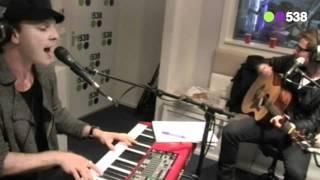 Radio 538: Gavin Degraw - Soldier (live bij Evers Staat Op)