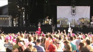 Asteroids Galaxy Tour - Heart Attack Live op Pinkpop 2012