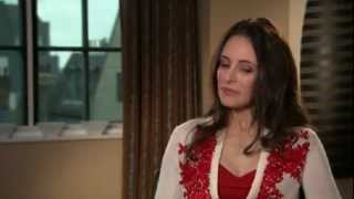 Madeleine Stowe says she was captivated by Revenge