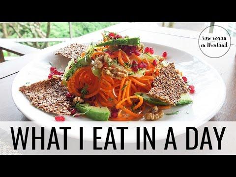 14. WHAT I ATE IN THAILAND | raw & vegan