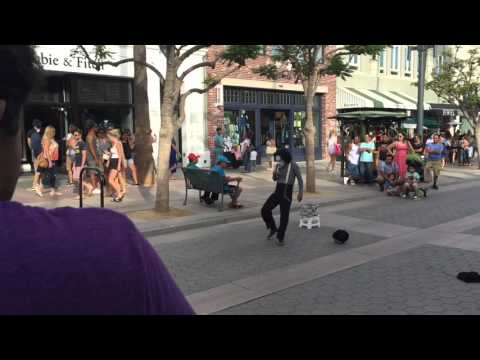 Street show (third street- Santa Monica)