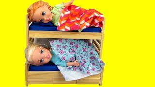 Toddler Elsa CAN'T Sleep ! Elsa and Anna toddlers - Sleep trouble - bedtime - night time