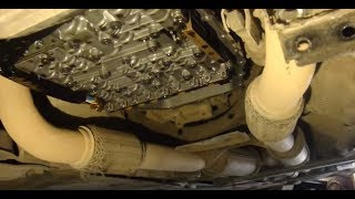Замена масла в АКПП Audi A8 D3(Группа ВКонтакте http://vk.com/club113325799 Ремонт , запчасти б/у , запчасти новые , VAG диагностика , компьютерная диагно..., 2015-08-31T11:11:12.000Z)