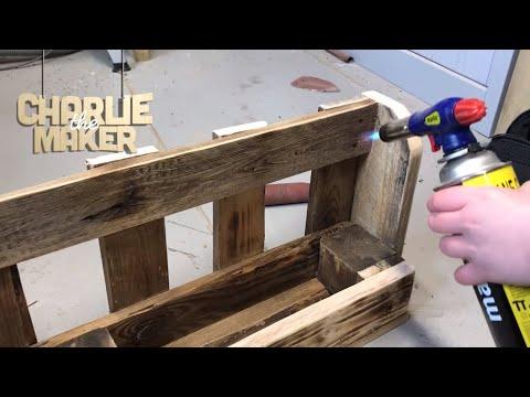 Making - A Pallet Wood Bookshelf - Using Old Pallets